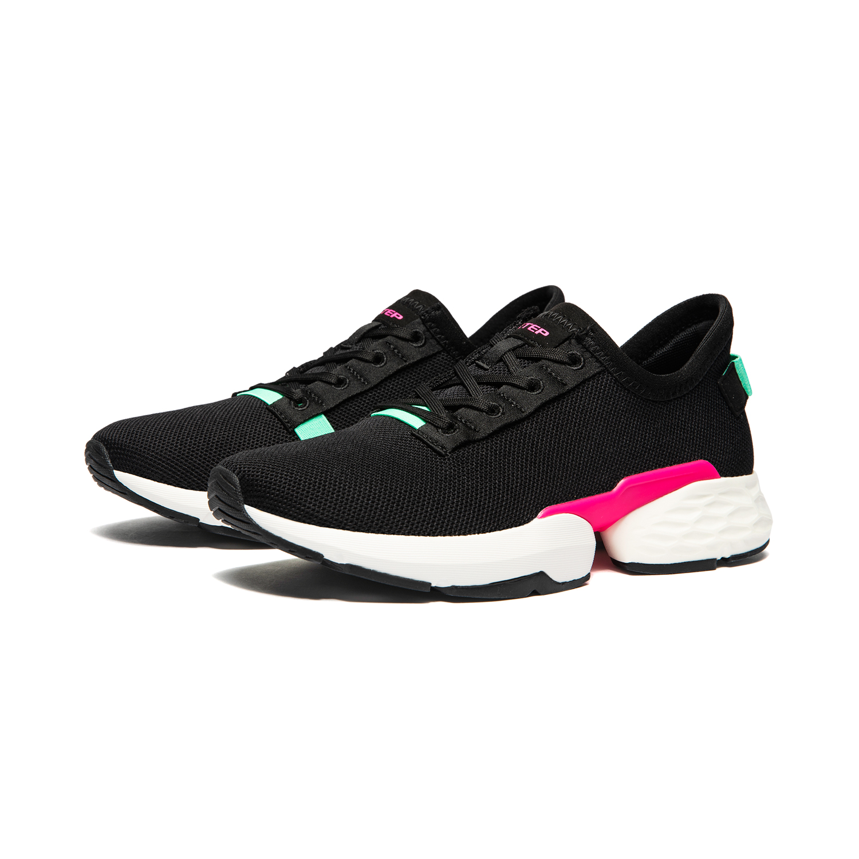 Women's urban running shoes